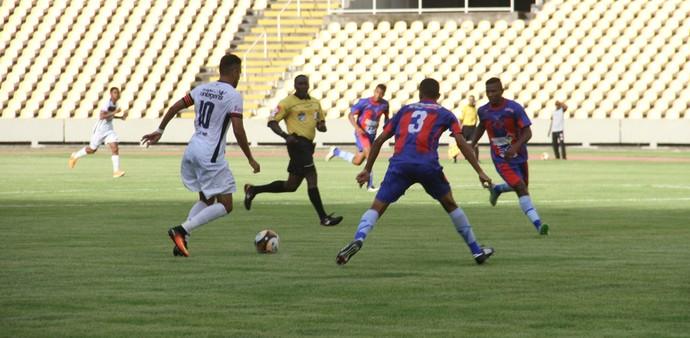 Com resultado, equipes se igualam na segunda colocação do Grupo B do Estadual (Foto: De Jesus /  O Estado)