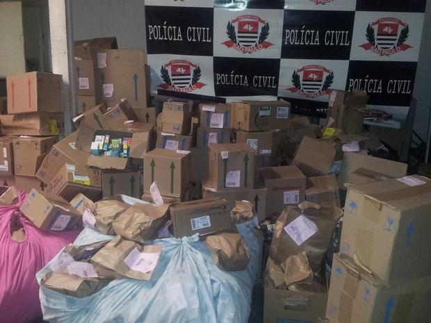 Dise apreendida carga de medicamentos roubada  (Foto: Roberta Steganha/ G1)