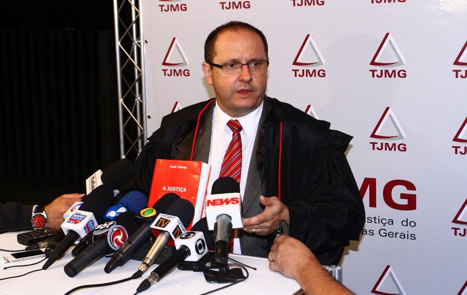 Ércio Quaresma faz entrevista coletiva após a condenação de Bola (Foto: Maurício Vieira/G1)