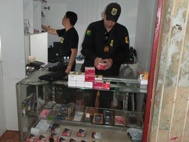59 celulares, 51 notebooks e 8 tabletes foram apreendidos pela Polícia Civil (Foto: Pedro Paulo/Assessoria Polícia Civil)