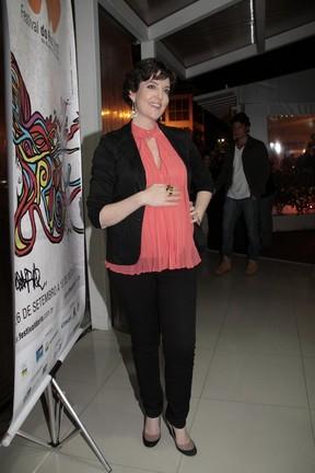 Larissa Maciel em pré-estreia no Rio (Foto: Isac Luz/ EGO)
