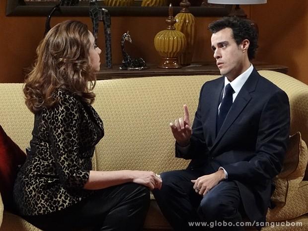 Lucindo pensa bem se aceita ou não proposta de Damáris (Foto: Sangue Bom/TV Globo)