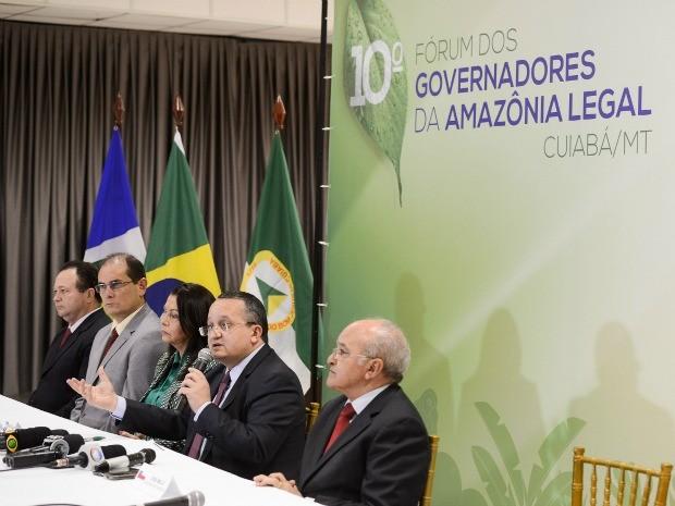 Governadores e vice-governadores se reuniram em fórum da Amazônia Legal em Cuiabá. (Foto: Lucas Ninno / GCom)
