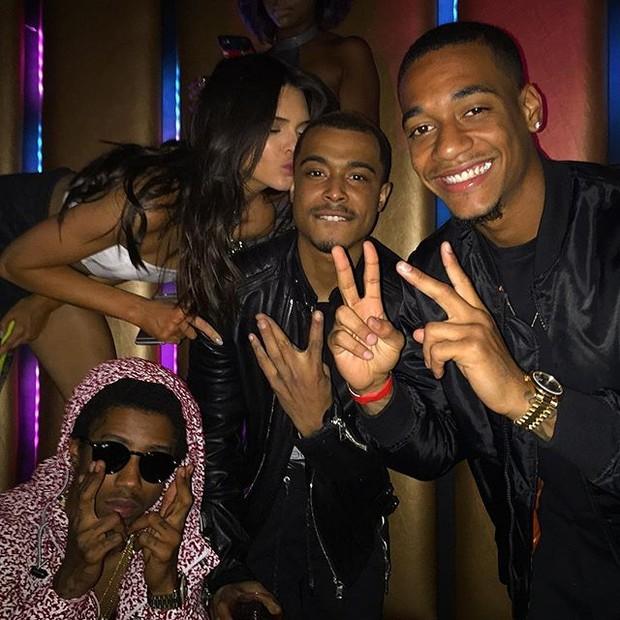 Kendall Jenner e festa com amigos (Foto: Instagram/ Reprodução)