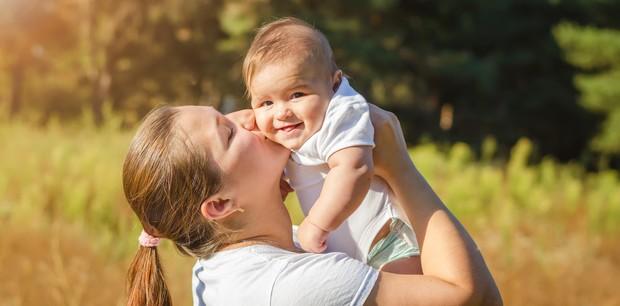 Bebês precisam de banho de sol? (Foto: Thinkstock)