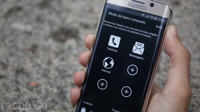 A bateria do Galaxy S6 Edge dura mais devido a tela (Foto: Lucas Mendes/TechTudo)
