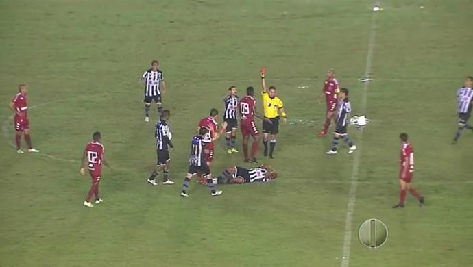 Max atacante do América-RN expulsão Botafogo-PB (Foto: Reprodução/Inter TV Cabugi)