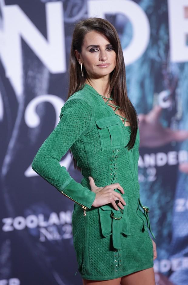 Penélope Cruz em première em Berlim, na Alemanha (Foto: AFP)