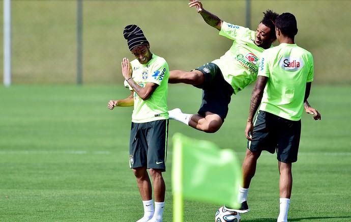 marcelo Luiz Gustavo NEymar Brasil treino (Foto: Gaspar Nobrega / Vipcomm)