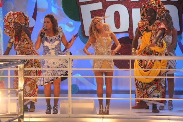 Daniela Mercury e Anitta (Foto: Wesley Costa/Agnews)