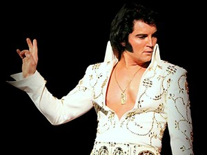O cantor Ben Portsmouth, cover de Elvis Presley, que se apresenta neste sábado (8), no Centro de Convenções Ulysses Guimarães, em Brasília (Foto: Divulgação)