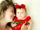 Debby Lagranha faz ensaio em clima de Natal e Ano Novo com a filha