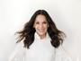 Carolina Ferraz posa para capa de revista e fala sobre maternidade