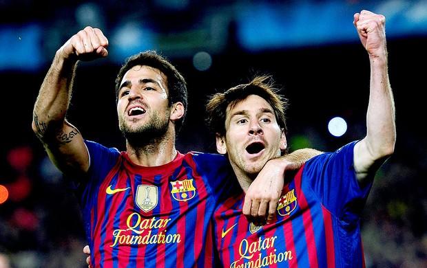 Messi e Fabregas comemoram gol do Barcelona contra o Milan (Foto: AP')