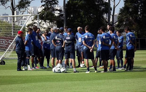 Falcão conversa com jogadores do Bahia (Foto: Divulgação/EC Bahia)