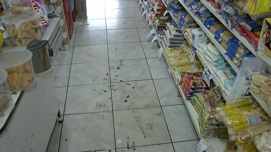 Dono de mercearia é baleado durante assalto em Angatuba