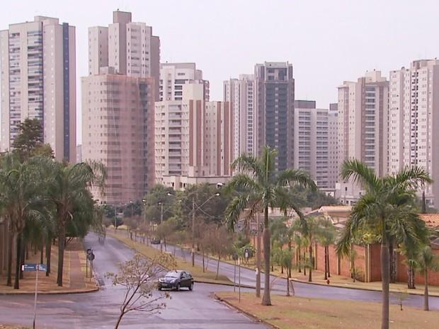 MP identificou que casal adquiriu sete imóveis na zona sul de Ribeirão Preto com dinheiro ilícito (Foto: Reprodução/EPTV)
