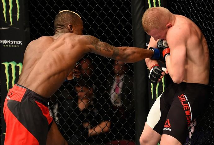 Marc Diakiese x Lukasz Sajewski UFC 204 (Foto: Getty Images)