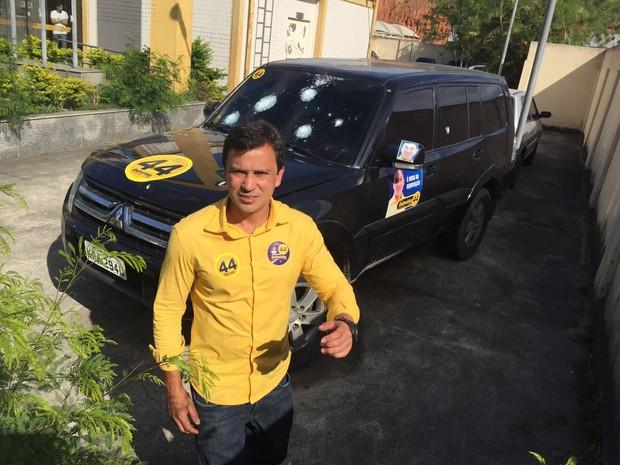 Andrezinho de Japeri teve o carro alvejado (Foto: Andrezinho/ Arquivo pessoal)