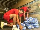 Famílias afetadas pela cheia recebem ajuda humanitária no interior do AM