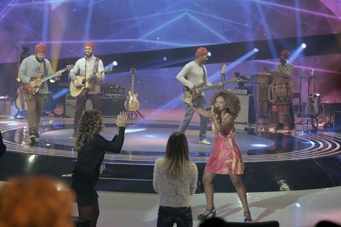 Alphazimu se apresenta no palco do SuperStar (Foto: Ellen Soares/Gshow)