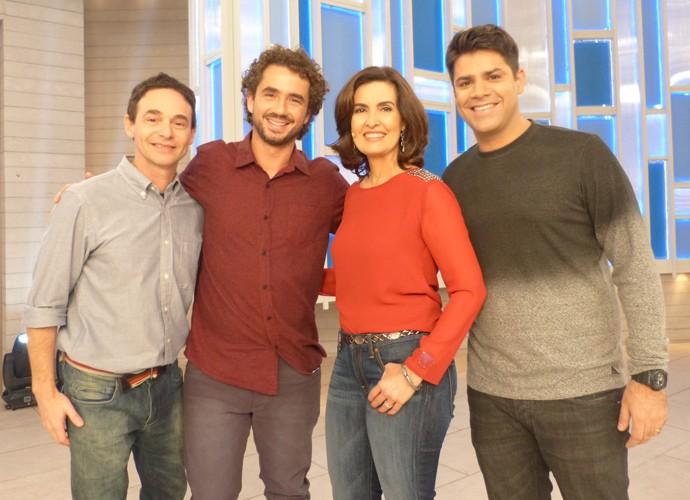 Fátima entre Jairo Bouer, Felipe Andreoli e Lair Rennó (Foto: Gshow)