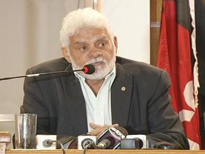 Zoinho em coletiva na Câmara de Vereadores (Foto: Reprodução/TV Rio Sul)