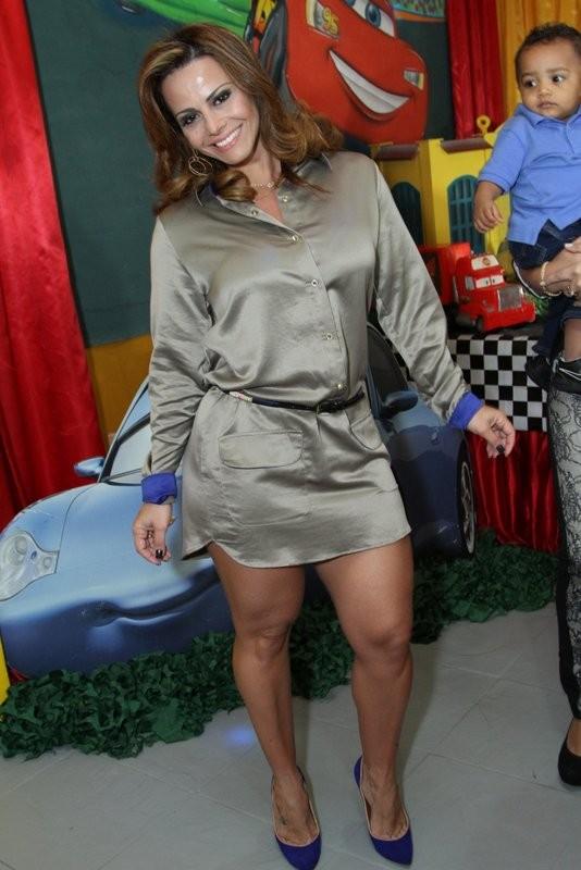 Viviane Araújo em festa no Rio (Foto: Anderson Borde/ Ag. News)