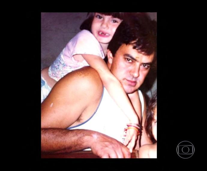 Camila Queiroz ainda criança (Foto: TV Globo)