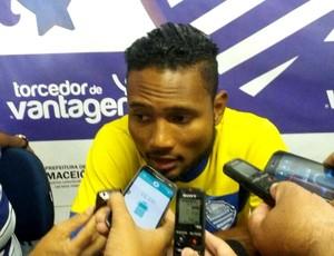 Rayro csa (Foto: Augusto Oliveira/GloboEsporte.com)