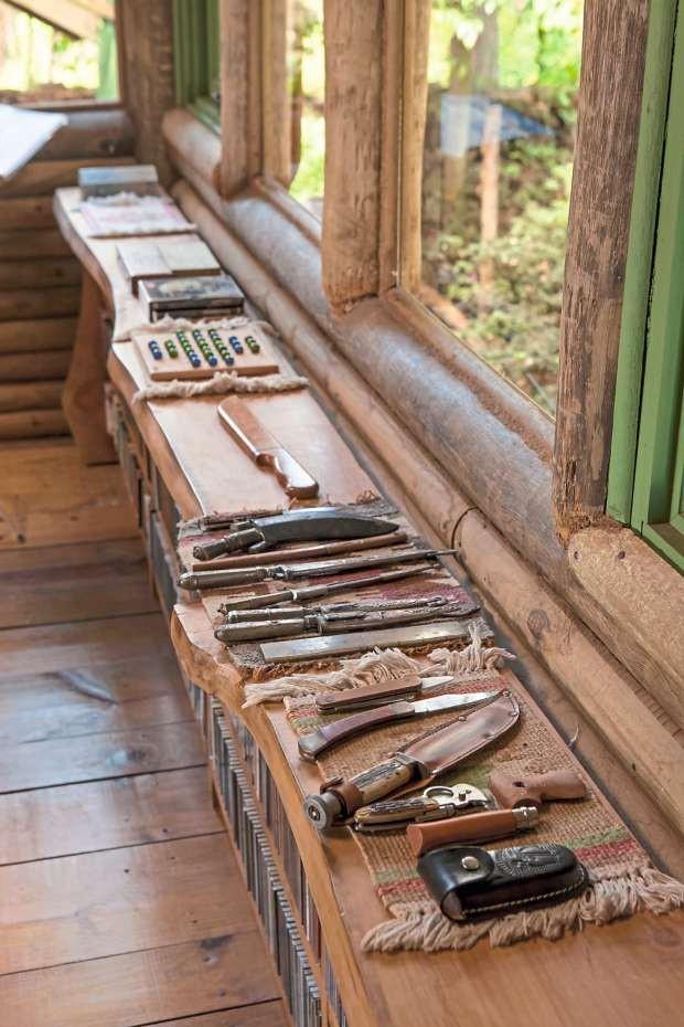 Coleção de canivetes (Foto: Edu Castello/Editora Globo)