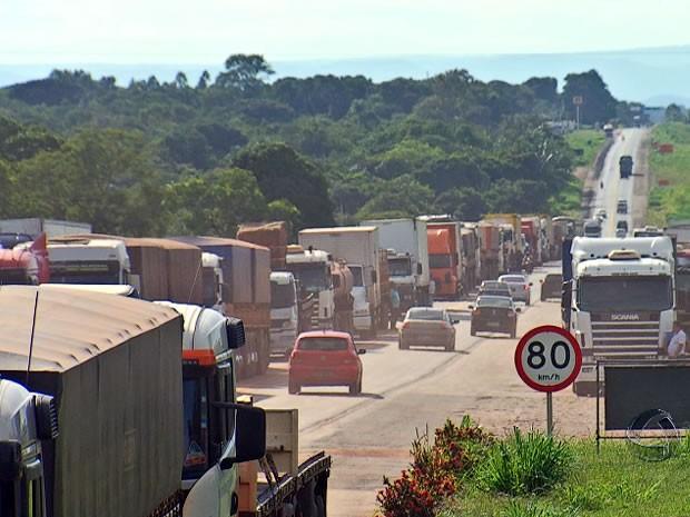 Protesto de caminhoneiros em Mato Grosso. 3 (Foto: Reprodução/TVCA)