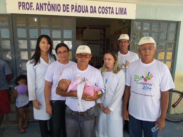 Taxistas auxiliaram equipes do Programa Saúde da Família em Luís Correia (Foto: Wilton Veras)