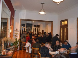 Lançamento do guia na Pizzaria Di Farina (Foto: Márcia Coelho Netto / Divulgação)