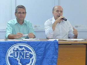 Diretor do transporte coletivo da Transerp, José Mauro de Araújo, à esquerda e William Latuf à direita se reuniam em Ribeirão (Foto: Luara Gallacho / G1)