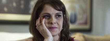 Drica interpreta mulher carente e frágil