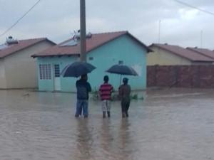 Algumas famílias foram retiradas de suas casas (Foto: Samara Cristina/Arquivo pessoal)