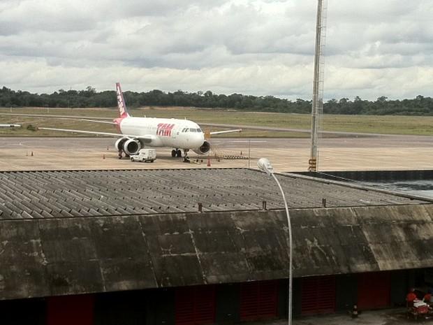 Aeronave passa por manutenção, segundo Infraero (Foto: Ana Graziela Maia/G1 AM)