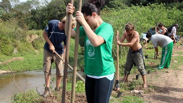 Projeto capacita jovens para trabalharem sempre respeitando o meio ambiente (Divulgação)