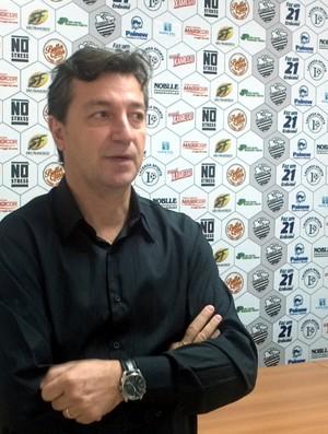 João Henrique Silvestre, supervisor do Comercial (Foto: João Fagiolo / Globoesporte.com)