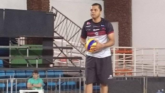 Alessandro Fadul, técnico do vôlei Juiz de Fora (Foto: Bruno Ribeiro)