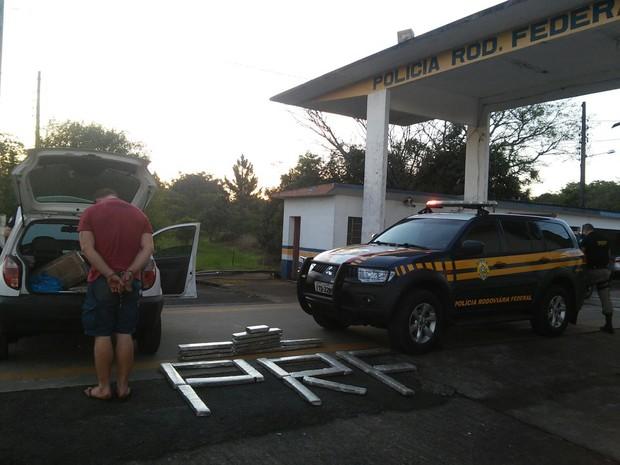 Motorista confessou ter buscado maconha no  Paraguai (Foto: Divulgação/PRF)