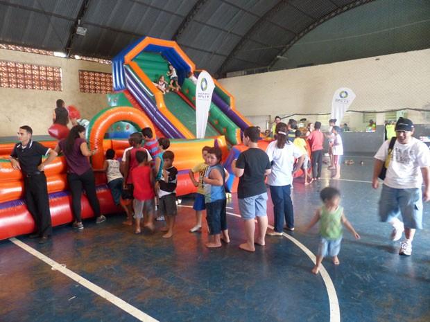 Crianças se divertiram na edição especial do RPC TV na Praça, em Londrina (Foto: Divulgação/RPC TV)