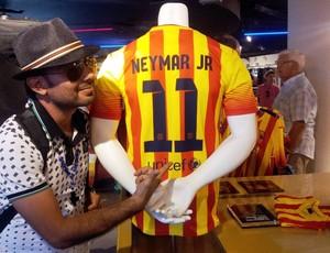 Oscar loja Barcelona camisa Neymar (Foto: Lincoln Chaves)