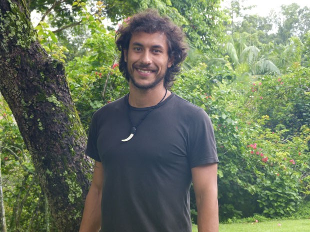 José Henrique Ligabue comemora primeira papel na televisão (Foto: Flor do Caribe / TV Globo)