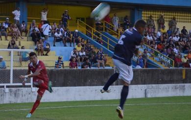 O Baré teve boas oportunidades de ampliar a vantagem fora de casa (Foto: Dominique Cavaleiro/GloboEsporte.com)