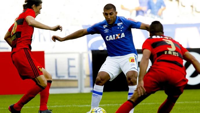 Ramon Abila, atacante do Cruzeiro (Foto: Washington Alves/Light Press)