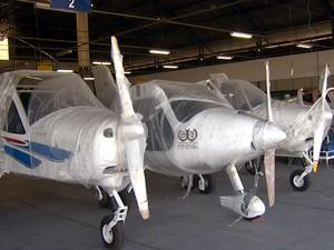 Fábrica de aviões em Sumaré, que comercializa dez aeronaves por mês (Foto: Márcio Silveira/EPTV)