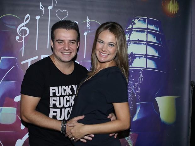 Belutti e Thaís Pacholek em show em São Paulo (Foto: Thiago Duran/ Ag. News)