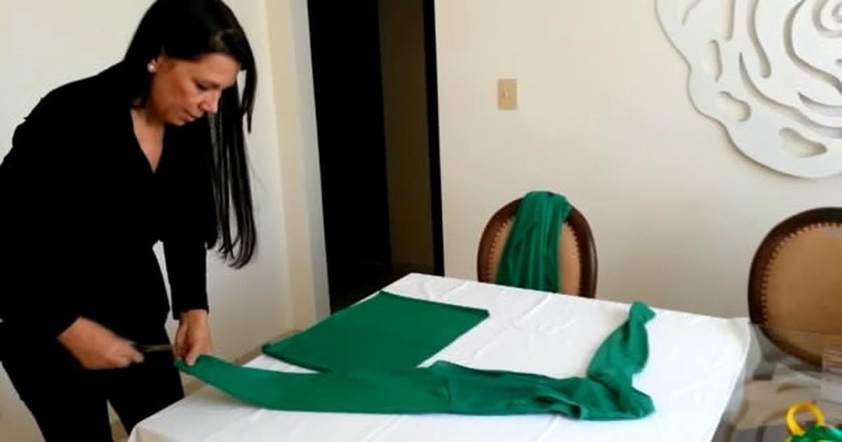 7278c12d7 G1 - Designer de Divinópolis ensina como customizar roupas para a Copa -  notícias em Centro-Oeste